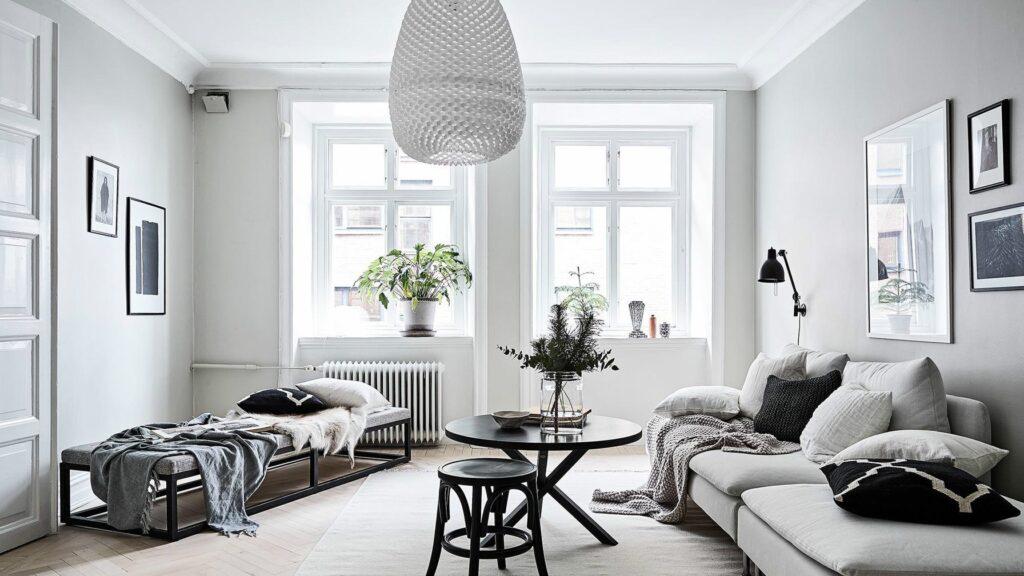 Blanco y gris